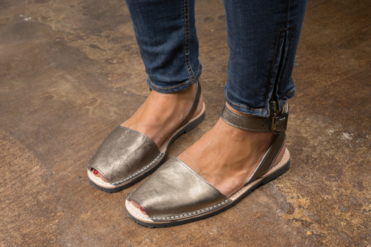 pons avarcas with strap bronze